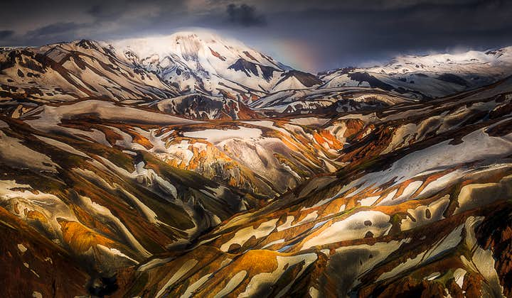 The rhyolite mountains of the central Highlands are so colourful that they capture the imagination and the camera lens.