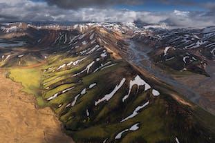 ลานมันนาเลยการ์เป็นที่รู้จักเพราะว่าบ่น้ำพุร้อน และ ภูเขาไรโอไลท์ของเขา