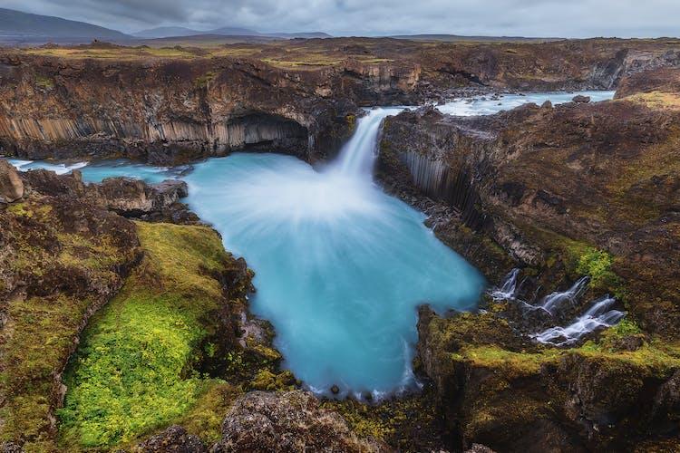 Der Wasserfall Aldeyjarfoss befindet sich im Norden Islands.
