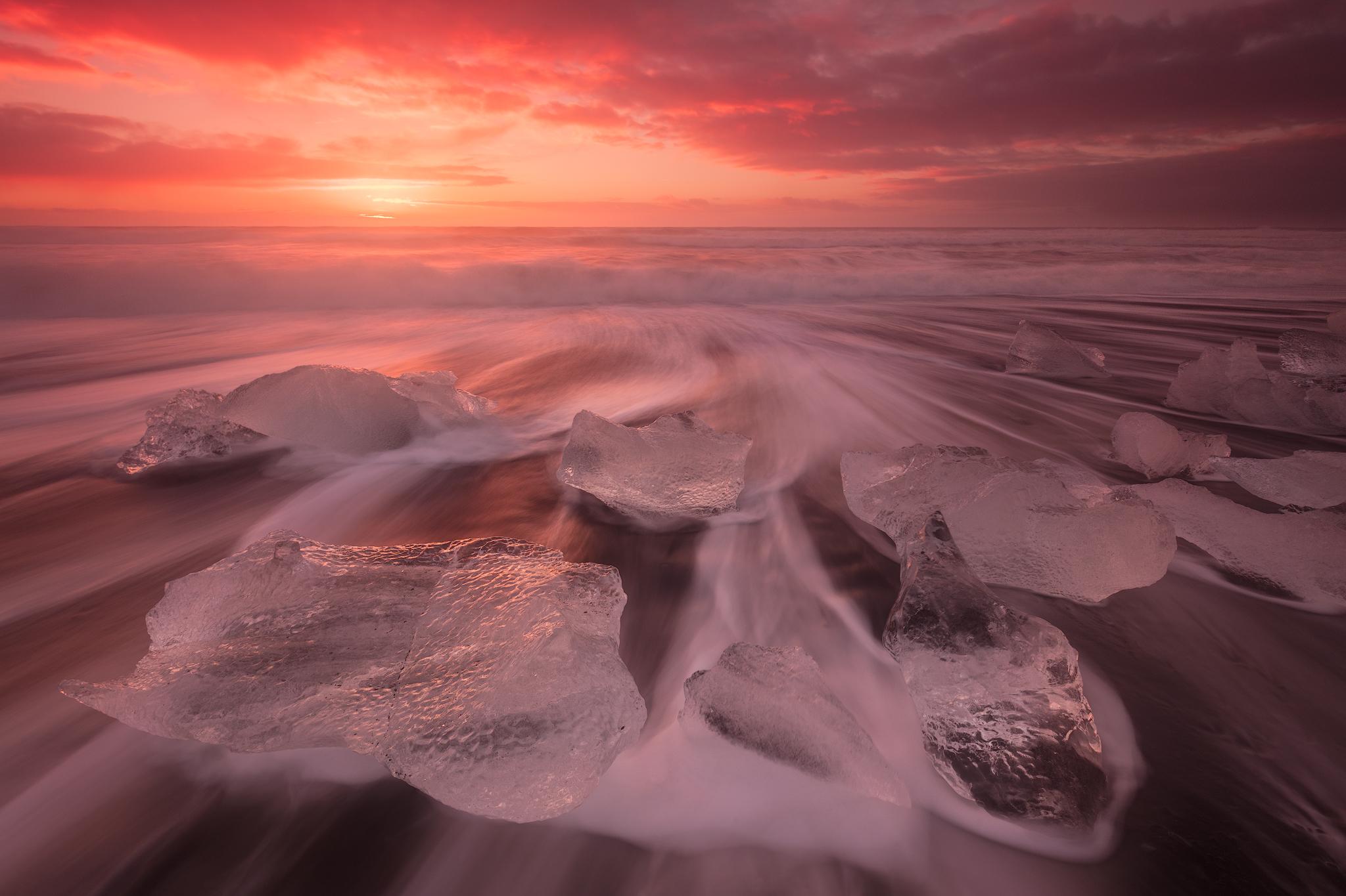 钻石沙滩是拍摄冰山的好地方。