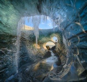 Tour fotografico dell'Aurora Boreale e di una grotta di ghiaccio - 4 giorni