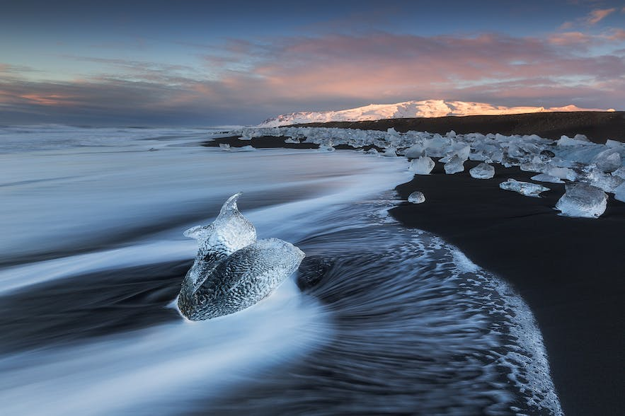 Diamond Ice Beach. Photo by: 'Iurie Belegurschi'.