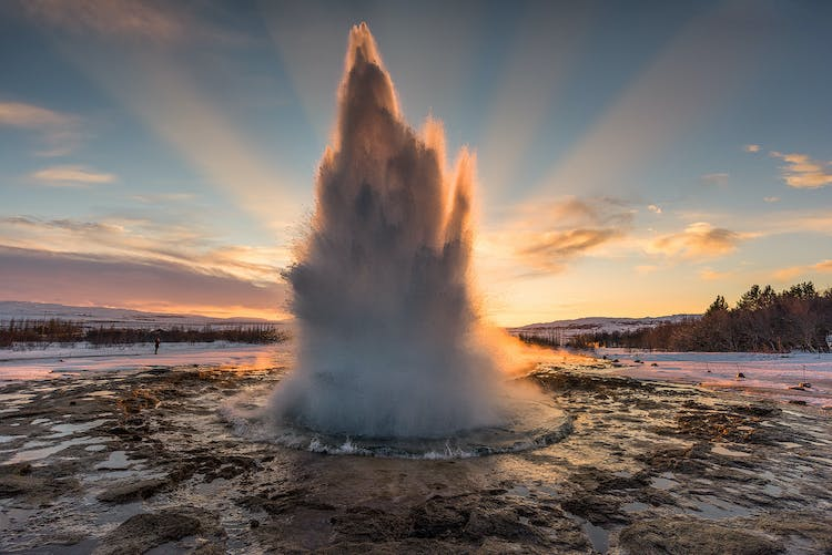 Timing is crucial when photographing the geyser Strokkur on the Golden Circle route.
