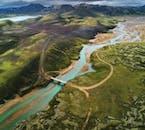 La región de las Tierras Altas de Landmannalaugar es famosa por sus aguas termales geotérmicas, sus montañas de riolita y sus innumerables rutas de senderismo.