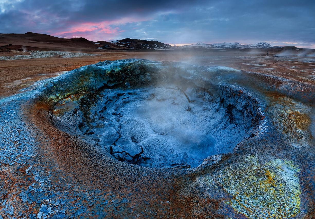 Die Myvatn-Region beherbergt viele Naturwunder, wie Pseudokrater und Geothermalgebiete.