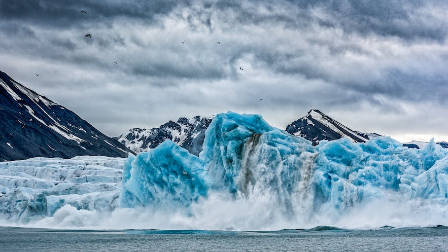 Collapsing - Photo by Marc Pelissier
