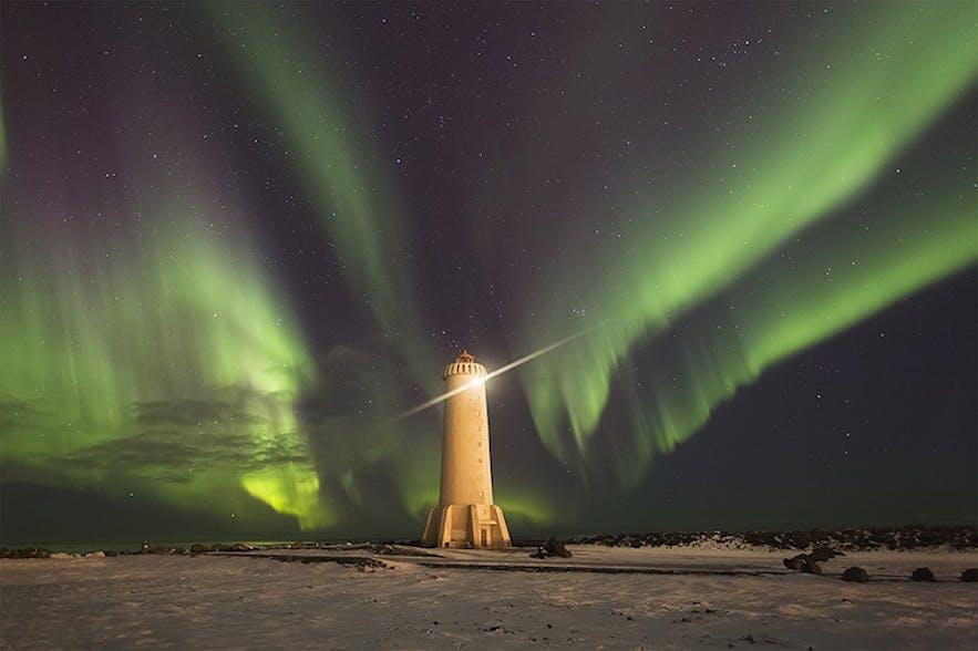 The Northern Lights dance. Photo by: 'Jon Hilmarsson'.