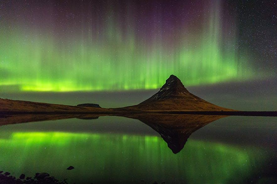 Northern Lights dancing. Photo by: 'Jon Hilmarsson'.
