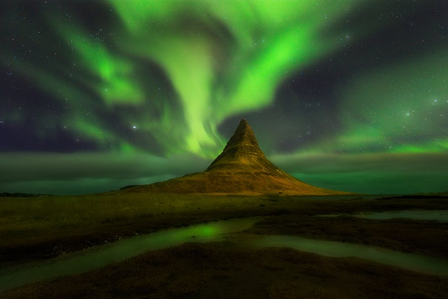 Nordlichter am Berg Kirkjufell