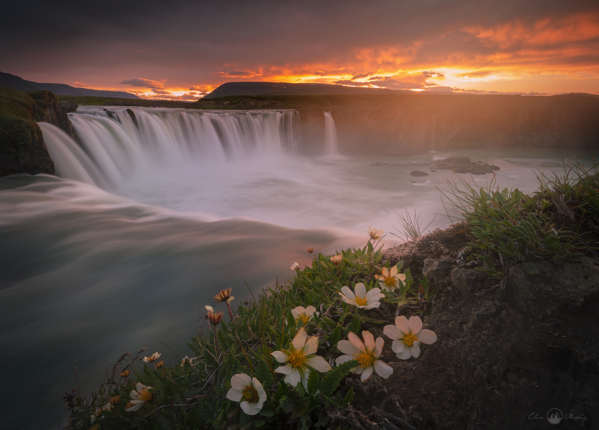 7 Easy Steps to Achieve Amazing Long Exposure Photography in Iceland