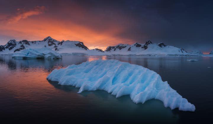 Antarctica Photography Expedition 2022 with Daniel Kordan and Iurie Belegurschi