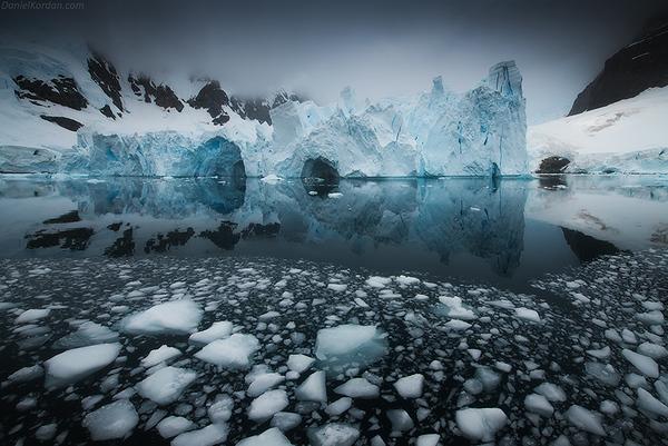 Antarctica Photography Expedition 2022 with Daniel Kordan and Iurie Belegurschi - day 1
