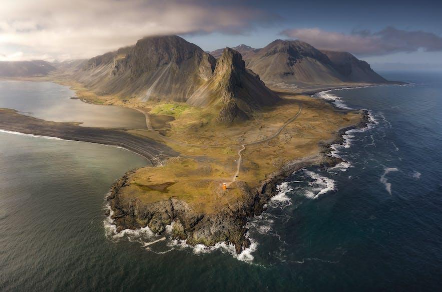 Warum Island der perfekte Ort ist, um die Mitternachtssonne zu fotografieren