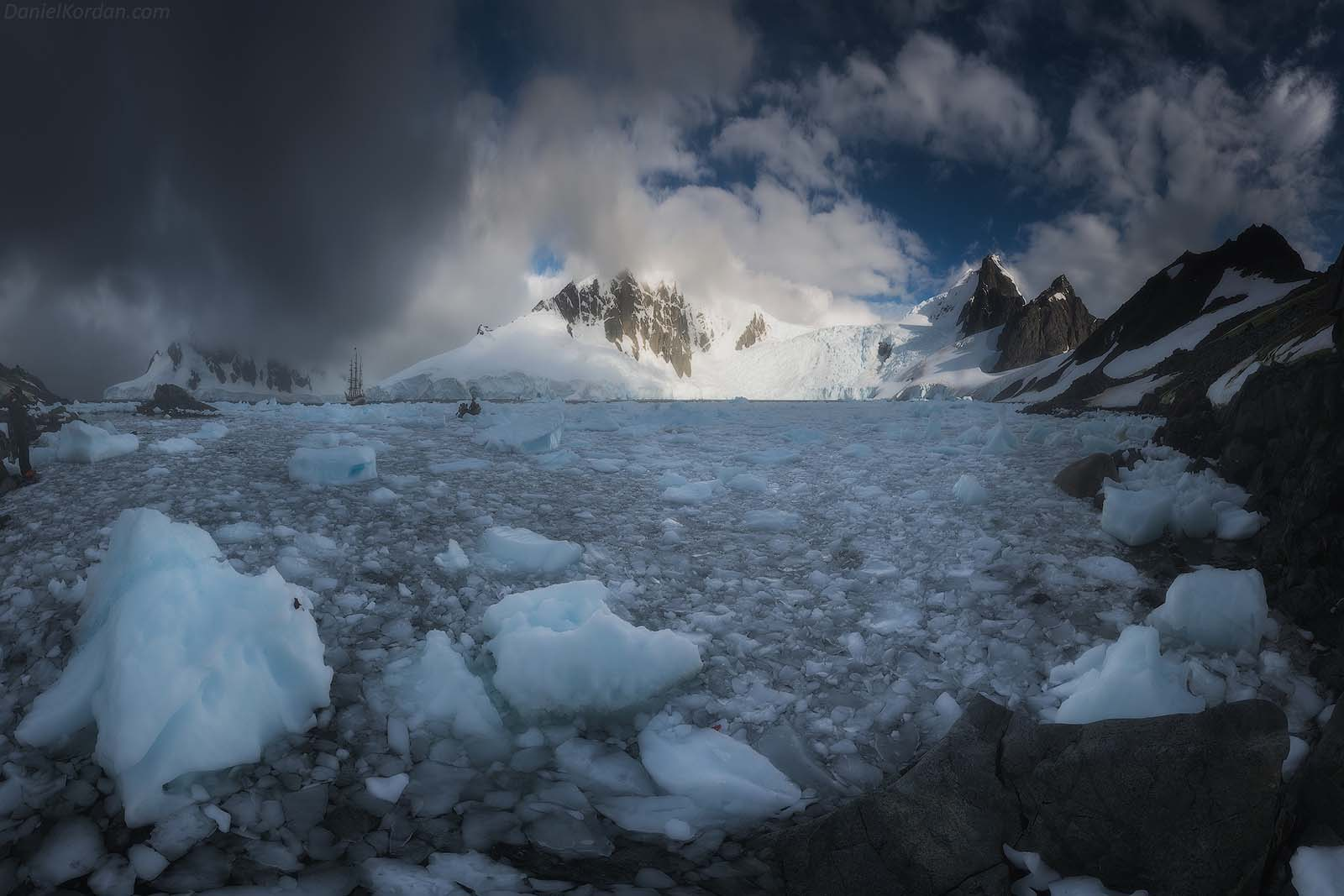 22 Day Antarctica Photography Expedition on Bark Europa - day 12