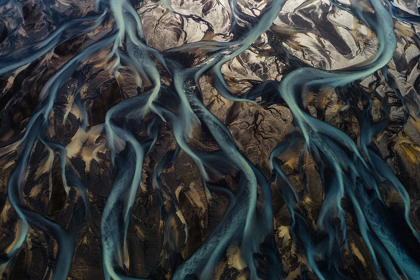 17 Aerial Photos of Iceland's Glacial Rivers You Won't Believe Are Real