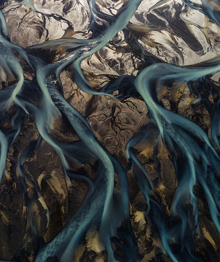 17 Aerial Photographs of Iceland's Glacial Rivers You Won't Believe Are Real