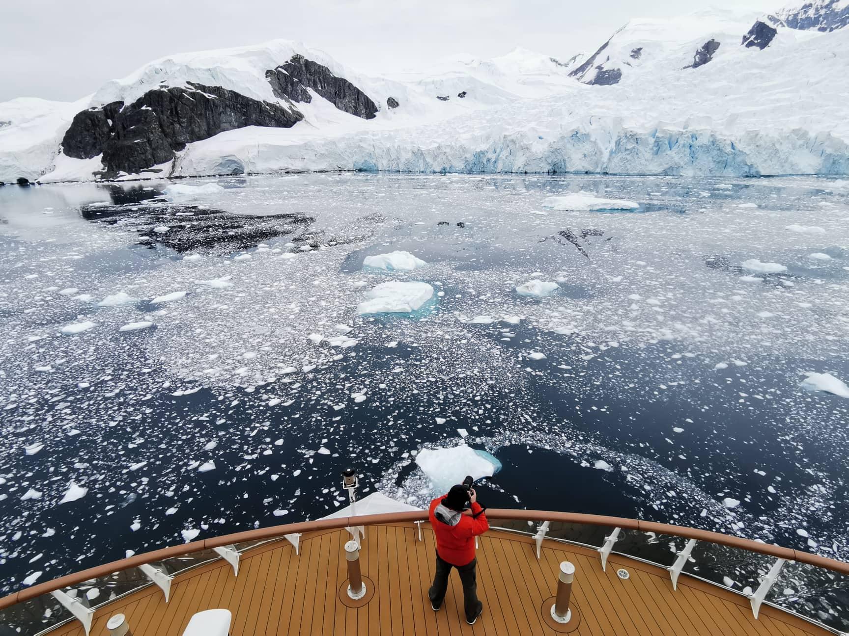 Antarctica Photography Expedition 2021 with Daniel Kordan - day 3