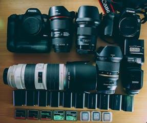 14-DSLR-Accessories.jpg