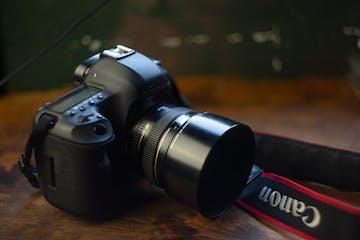 What-isa-DSLR-camera-Adam-Welch-Iceland-Photo-Tours-1.jpg