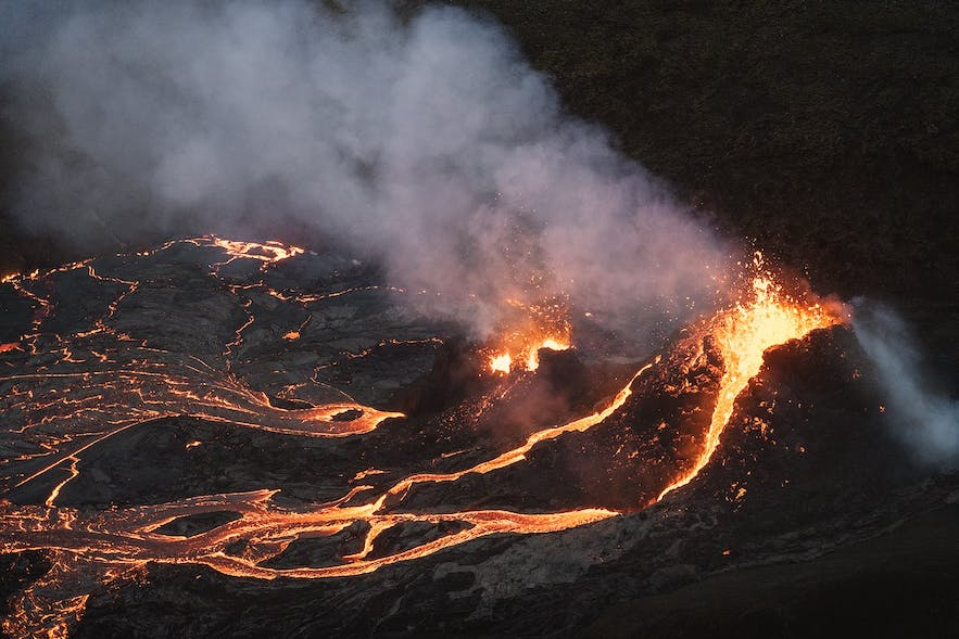The Geldingadalur eruption is effusive and slow-moving.
